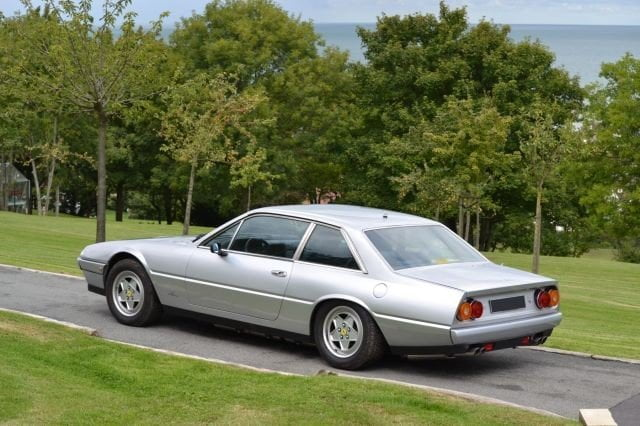 Ferrari 412 neuve du maroc